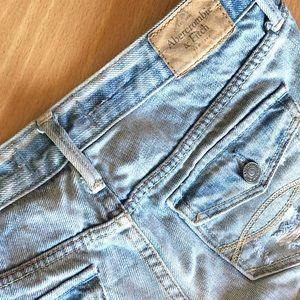 A&F destroyed denim shorts